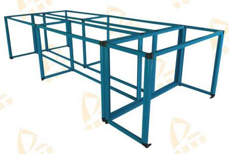 中央台桌架