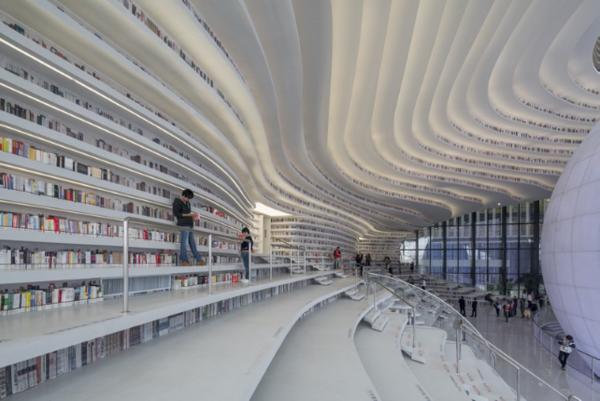 """科技让高校图书馆的智慧未来""""说来就来"""""""