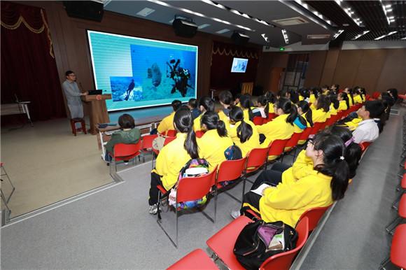 """[上海浦东]进才中学:创新实验室 为""""科艺特色""""添亮"""