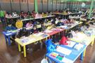 震撼!中國美院美術考級桔子樹數千小藝術家作畫