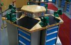 标准六角钳工台配置及教学实训中的运用